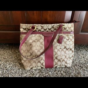BRAND NEW coach purse!! never used